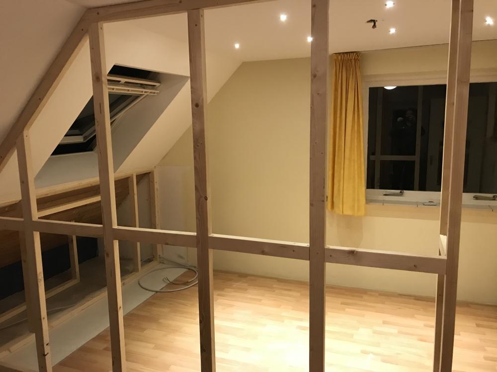 01 scheidingswand plaatsen slaapkamer verbouwing slaapkamer